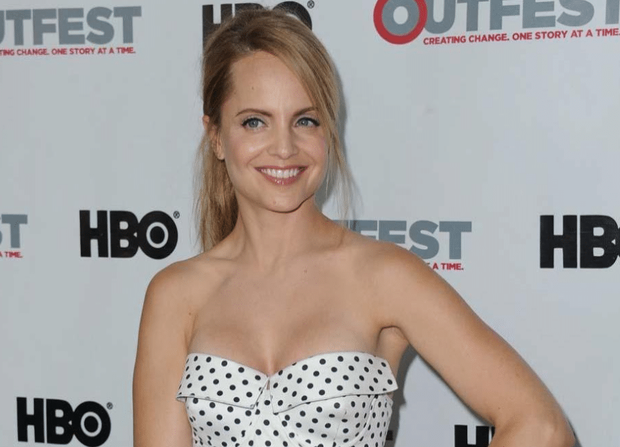 Mena Suvari Net Worth
